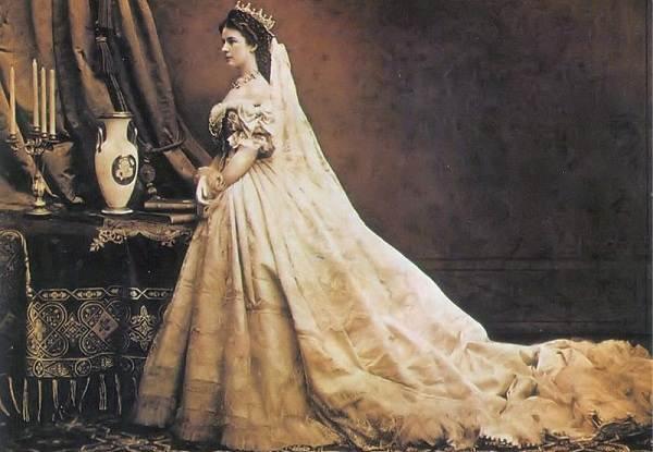 Императрица-Австрии-Елизавета-Баварская-Биография-и-жизненный-путь-2