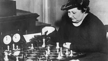 Первая в мире чемпионка по шахматам — Вера Менчик. Биография и жизненный путь
