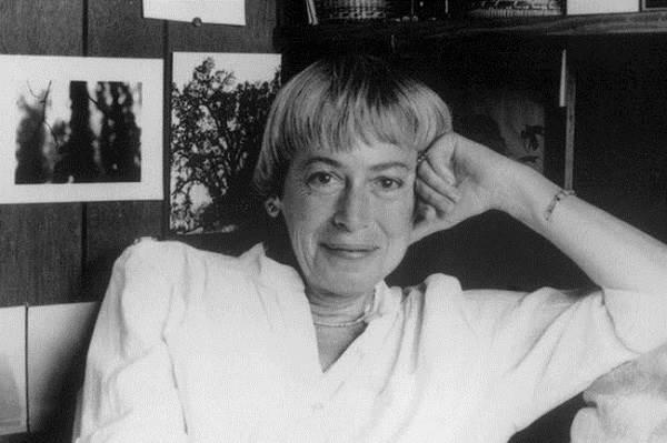 Урсула-Ле-Гуин-американская-писательница-и-литературный-критик-Биография-и-творчество-4