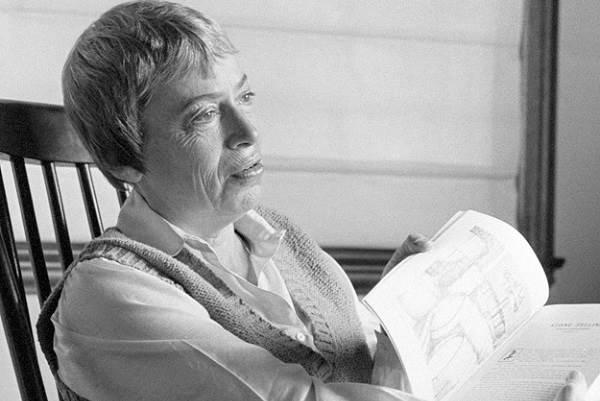 Урсула-Ле-Гуин-американская-писательница-и-литературный-критик-Биография-и-творчество-8