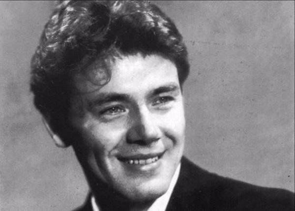 Юрий-Александрович-Гуляев-советский-эстрадный-и-оперный-певец-Жизнь-и-творчество-9